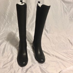 Tall black boots (New)
